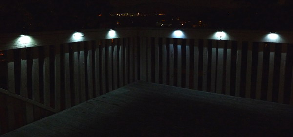 deck_light_on_web